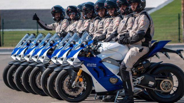 1575297719_La Ducati Panigale V4 R a rejoint la flotte de 1200x1200
