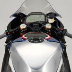 Ducati Superleggera V4 vs BMW HP4 Race - A techspec comparison 23