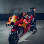 2020 KTM MotoGP bike unveiled. 265+ hp and 157 kg 9