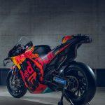 2020 KTM MotoGP bike unveiled. 265+ hp and 157 kg 15
