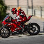 Ducati Superleggera V4 vs BMW HP4 Race - A techspec comparison 39