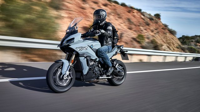 BMW S1000XR - First Ride Review 8