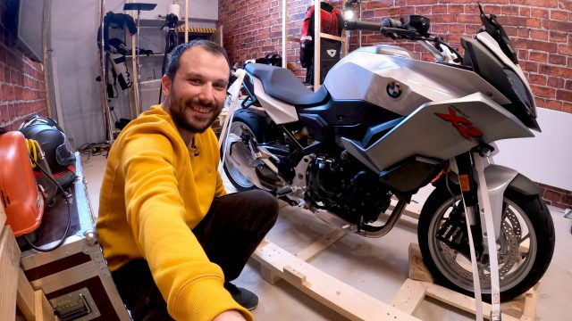 BMW F900XR - Long-term Review. The Unboxing 4