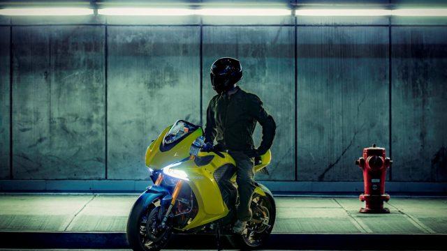 S0 damon et blackberry presentent la premiere moto autonome 180622