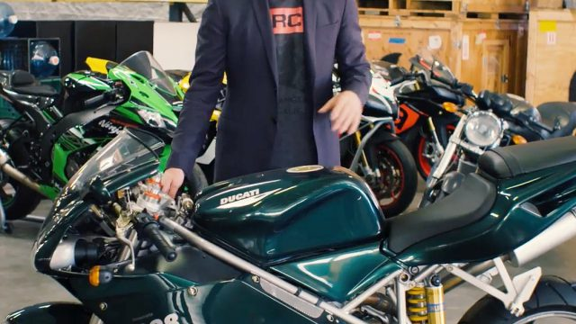 keanu reeves motorcycle the matrix ducati gq (2)