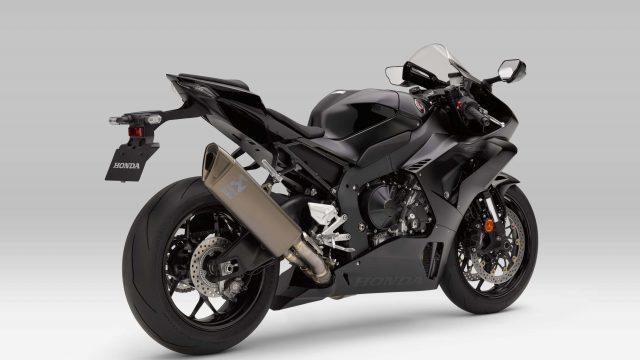 Honda CBR1000RR-R Fireblade Receives Akrapovic Exhaust 1