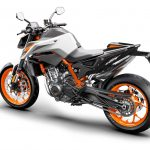 7 Things We Learned about the KTM 890 Duke R 34