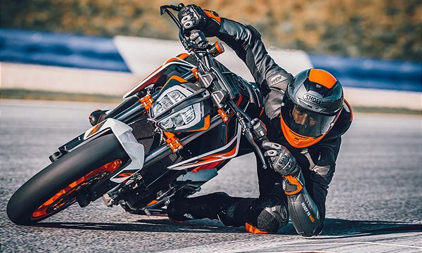 7 Things We Learned about the KTM 890 Duke R 1