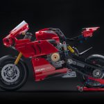 Ducati Panigale V4R Lego Technic - For Staying Home Pleasures 2
