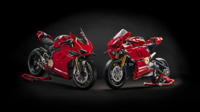 09_Ducati Panigale V4 R LEGO_ Technic__UC154218_High
