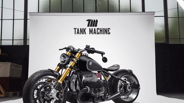 BMW R18 Bobber Tank Machine 02