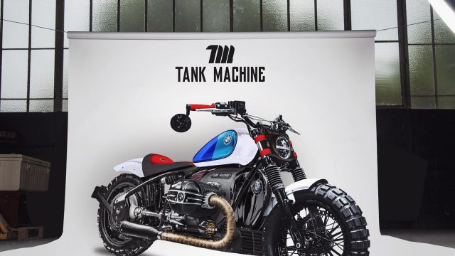 BMW R18 Bobber Tank Machine