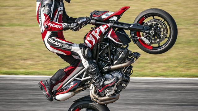 DUCATI HYPERMOTARD 950 RVE_ACTION_08_UC169754_Low
