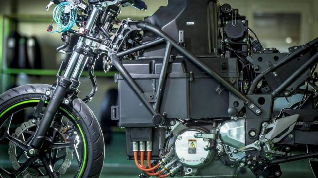 Kawasaki EV Endeavor frame battery and motor 1024x696