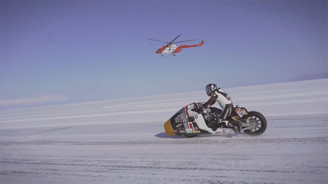 Video Footage: Indian Appaloosa Blasting on an Ice Lake in Siberia 1