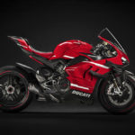 The First Ducati Superleggera V4 Rolls Out of the Production Line 4