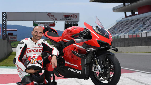 05_CEO_DUCATI_CLAUDIO_DOMENICALI_SUPERLEGGERA_V4_UC172352_Low