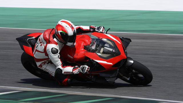 09_DUCATI_SUPERLEGGERA_V4_DOMENICALI_UC172353_Low