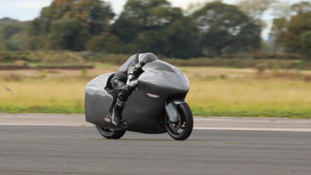 Drag Race: Guy Martin's 800hp Hayabusa vs Michael Rutter's 200+hp TT Honda 1