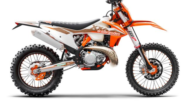 KTM 300 EXC TPI Erzbergrodeo MY21_Static