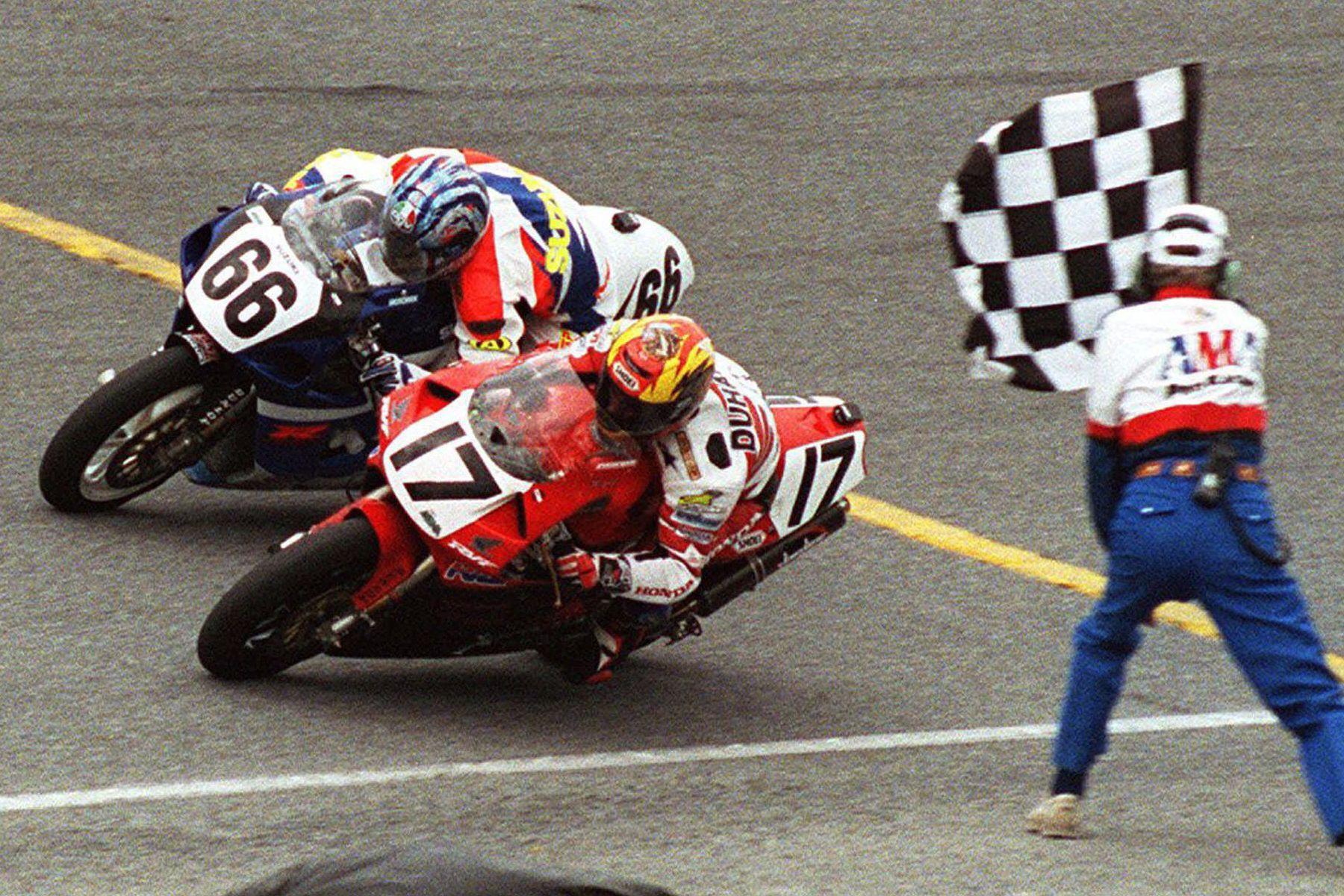 miguel duhamel, champion de course de moto racer champion de moto rider canada